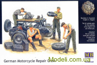 MB3560 German Motorcycle Repair Crew