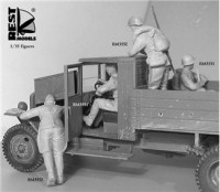 RM3551 On the way' WWII Red Army, 2 figures