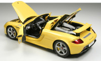 Porsche Carrera GT yellow